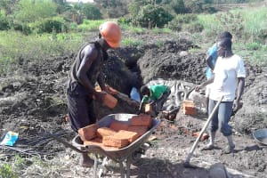 The Water Project: Musango Community, Dawi Spring -  Spring Construction