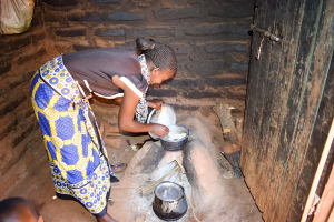 The Water Project: Uthunga Community A -  Working In The Kitchen