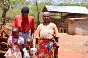 The Water Project: Utuneni Community -  Esther And Her Family
