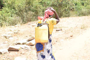 The Water Project: Kithuluni Community B -  Carrying Water Home