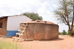 The Water Project: Muunguu Primary School -  Broken Down Rainwater Tank