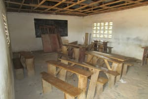 The Water Project: PC Bai Shebora Gbereh III Primary School -  Classroom