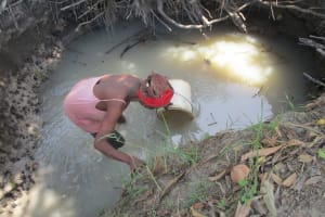 The Water Project: Mondor Community -  Fetching Water