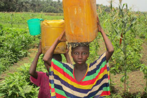 The Water Project: Modia Community, 63 Spur Road -  Carrying Water