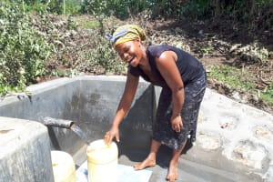 The Water Project: Mbande Community, Handa Spring -  Clean Water