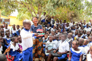 The Water Project: Rotifunk Baptist Primary School -  Oral Hygiene Training