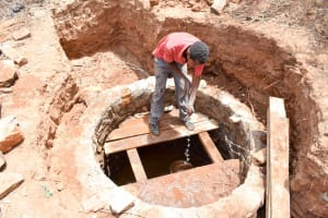 The Water Project: Mbuuni Community E -  Well Construction