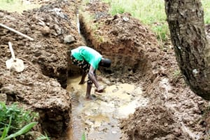 The Water Project: Mungaha B Community, Maria Spring -  Setting The Foundation