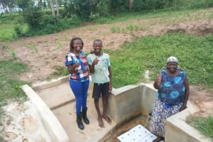 The Water Project: Mulundu Community, Fanice Mwango Spring -  Thumbs Up For Reliable Water