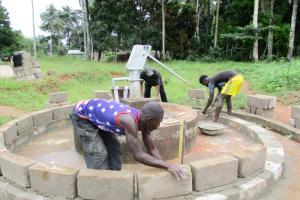 The Water Project: Komrabai Community, 35 Port Loko Road -  Building The Well Pad