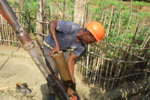 The Water Project: Mapitheri, Port Loko Road -  Casing