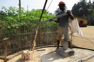 The Water Project: Mapitheri, Port Loko Road -  Yield Test