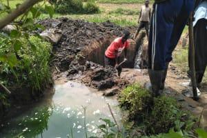 The Water Project: Elutali Community, Obati Spring -  Spring Excavation