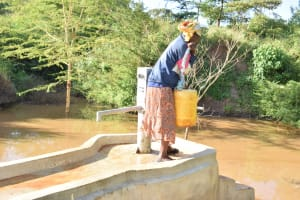 The Water Project: Utuneni Community B -  Preparing To Carry Water
