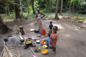 The Water Project: Transmitter, #14 Port Loko Road -  Family Cooking Outside