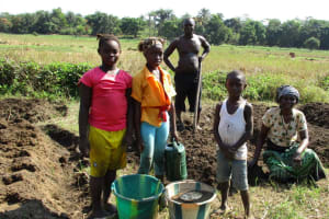 The Water Project: Lungi, Tonkoya Village -  Family