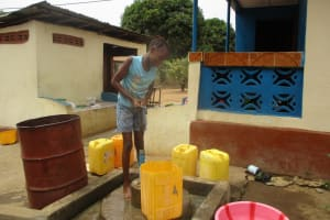 The Water Project: Tholmossor, Masjid Mustaqeem, 18 Kamtuck Street -  Fetching Water With Makeshift Pump