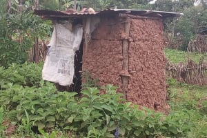 The Water Project: Kisasi Community, Edward Sabwa Spring -  Mud Latrine
