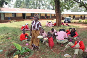 The Water Project: Kakamega Muslim Primary School -  Students Eating Lunch