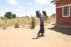 The Water Project: Kathonzweni Community A -  Hanging Clothes