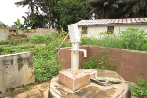 The Water Project: Mahera, SLMB Primary School -  Well In Need Of Rehabilitation