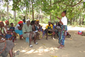 The Water Project: Lungi, Tonkoya Village -  Hygiene Facilitator Training Community Members About Hygiene