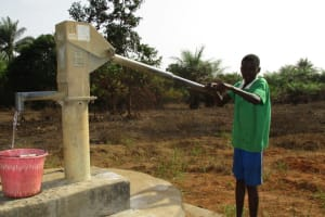 The Water Project: Lungi, Komkanda Memorial Secondary School -  Fetching Water