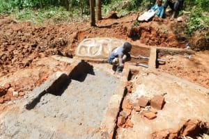 The Water Project: Mukhunya Community, Mwore Spring -  Spring Construction
