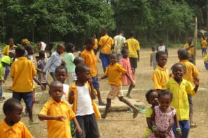 The Water Project: Lokomasama, Gbonkogbonko, Kankalay Primary School -  Students Out Of Class Room