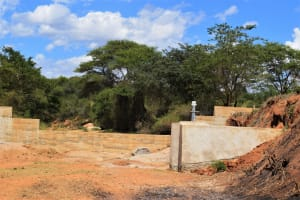 The Water Project: Muluti Community A -  Well And Dam