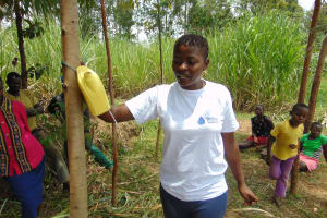 The Water Project: Burachu B Community, Namukhuvichi Spring -  Building A Leaky Tin