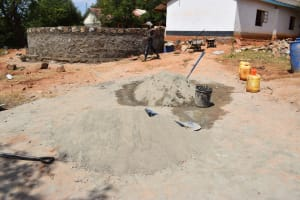The Water Project: Kikuswi Secondary School -  Cement For Tank
