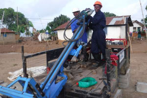 The Water Project: Gbontho Lane, Behind Gbontho Mosque -  Assmebling Drill