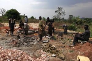 The Water Project: Kikube Nyabubale Community -  Construction
