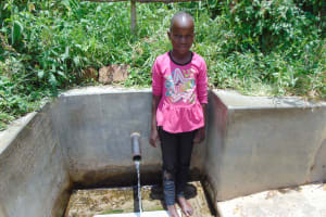 The Water Project: Ivinzo Commuity, Mushianda Spring -  Rose Nanjala At The Spring