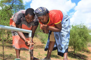 The Water Project: Maluvyu Community G -  New Well Water