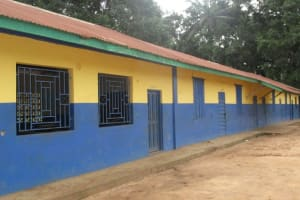 The Water Project: Lungi, Lungi Town, Holy Cross Primary School -  School Building