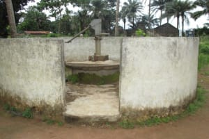 The Water Project: Lungi, Lungi Town, Holy Cross Primary School -  Well In Need Of Rehab