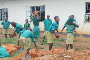 The Water Project: Elufafwa Community School -  Working Together