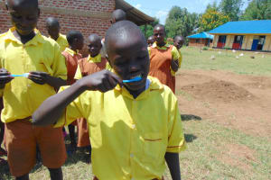 The Water Project: St. Margret Wadin'go Primary School -  Toothbrushing Practical