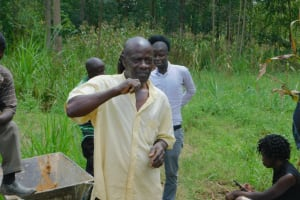 The Water Project: Sichinji Community, Kubai Spring -  Active Participation During Tooth Sensitivity Session