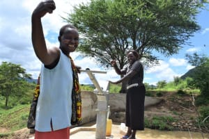The Water Project: Mbiuni Community A -  Smiles At The Well