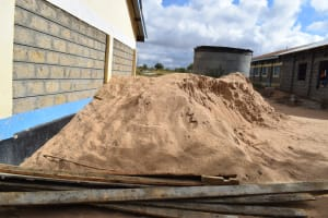 The Water Project: Kiundwani Secondary School -  Dirt For Tank Construction