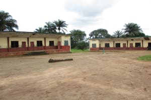 The Water Project: Lungi, Mamankie, DEC Mamankie Primary School -  School Compound