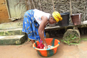 The Water Project: Lungi, Mamankie, DEC Mamankie Primary School -  Washing Clothes