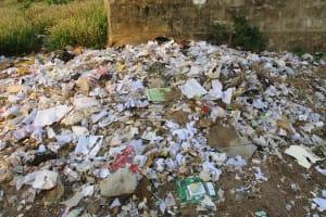 The Water Project: Lungi, Kasongha, DEC Kasongha Primary School -  Garbage Pit