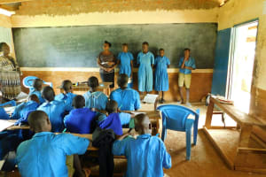 The Water Project: Shichinji Primary School -  Students Help Lead An Activity