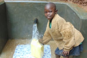 The Water Project: Bumira Community, Madegwa Spring -  Easy Filling Up At The Spring