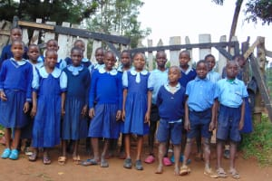 The Water Project: Kabinjari Primary School -  Students At The School Gate