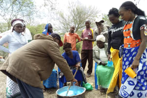 The Water Project: Utuneni Community B -  Soapmaking